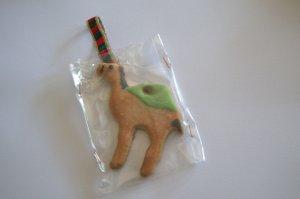Galleta de camello decorada con glasa