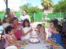 Paula con su tarta