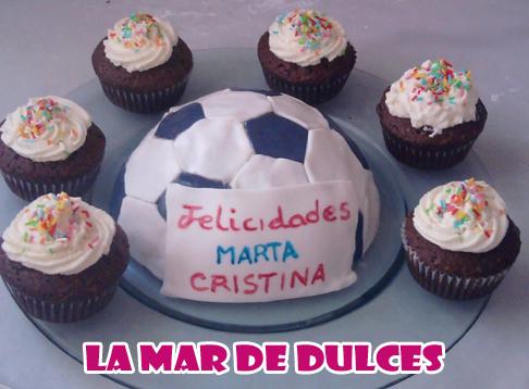 Tarta balón de fútbol y cupcakes Chiclana