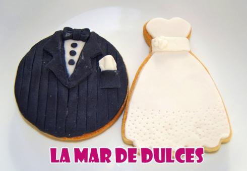 Galletas fondant de esmoquin y vestido de novia para boda