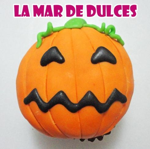 Cupcake de fondant de calabaza para Halloween
