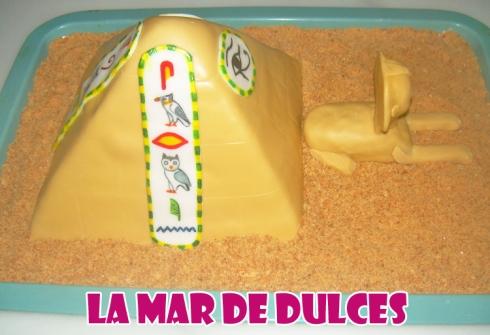 Tarta fondant pirámide y esfinge - Sevilla