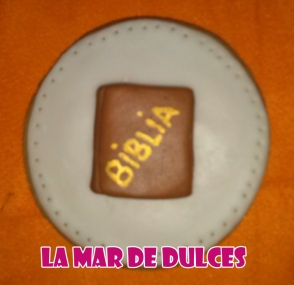 Galleta decorada de biblia para Comunión Chiclana