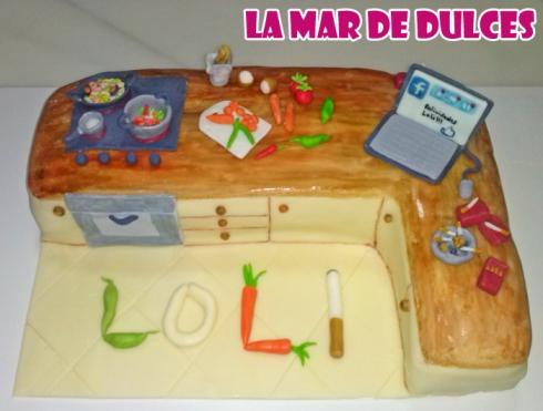 Tarta fondant de cocina con ordenador Sevilla