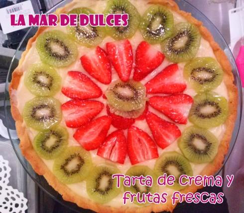 Tarta de crema y fruta fresca