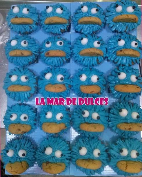 Cupcakes del monstruo de las galletas para comunión Sevilla