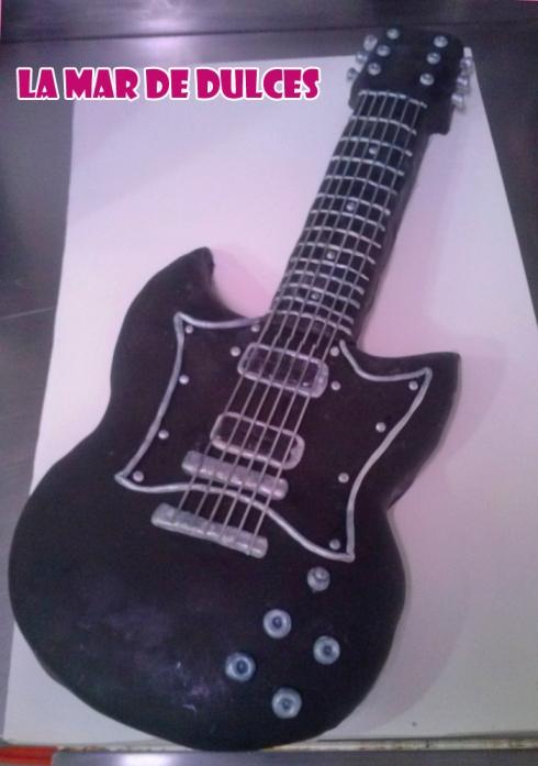 Tarta fondant de guitarra eléctrica Sevilla