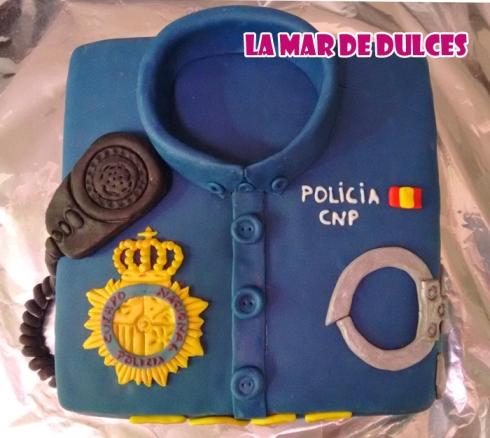 Tarta fondant de camisa de policía nacional Sevilla