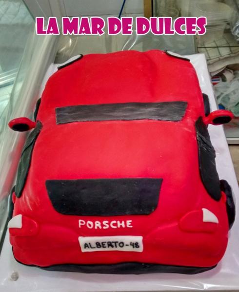 Tarta fondant de Porsche Sevilla