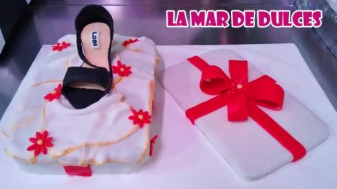 Tarta fondant de zapato y su caja Sevilla