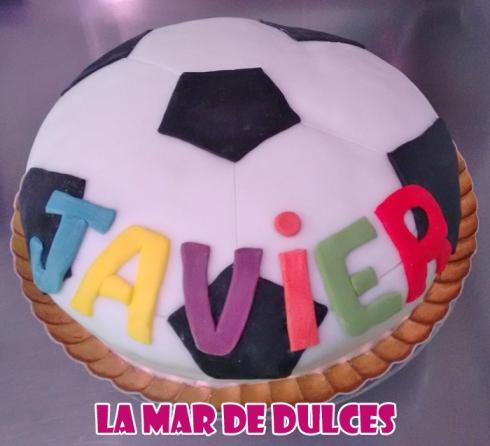 Tarta fondant de balón de fútbol Sevilla
