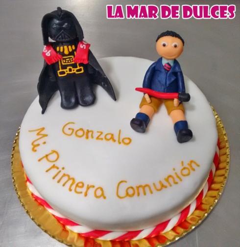 Tarta fondant de comunión de Darth Vader Sevilla