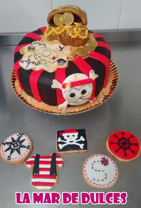 Tarta fondant de cofre pirata Sevilla